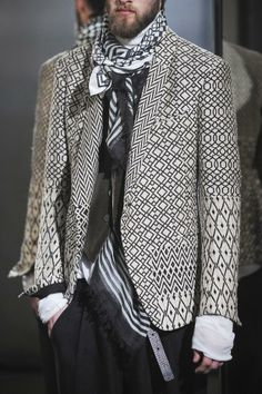 COOL CHIC STYLE to dress italian: London Collections: Men autumn/winter 2014 - Haider Ackermann Autumn (Fall) / Winter 2014 men's Fashion Prints, Boho Fashion, Mens Fashion, Fashion Outfits, Fashion Design, Unisex Fashion, Fasion, Haider Ackermann, Sartorialist