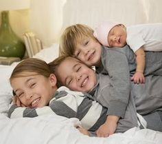 Bellyitch: 9 Newborn and big sibling photography ideas (PHOTOS)