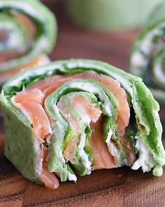 Deliciously savory smoked salmon pinwheels rolled up with a flavorful chive and . Deliciously savory smoked salmon pinwheels rolled up with a flavorful chive and dill cream cheese a Seafood Recipes, Appetizer Recipes, Dinner Recipes, Cooking Recipes, Healthy Recipes, Brunch Appetizers, Budget Recipes, Steak Recipes, Healthy Party Foods