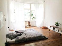 Tolles, einfaches Schlafzimmer. September in Rixdorf - Möbliertes WG Zimmer Berlin-Neukölln