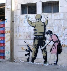 The roles have been switched. Banksy Graffiti, Street Art Banksy, Bansky, Graffiti Artwork, Graffiti Artists, Banksy Prints, Stencil Graffiti, Art Manifesto, Lost Art