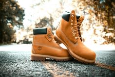 When you think of Timberland boots, you're thinking of these classic waterproof boots. Japanese Streets, Japanese Street Fashion, Grunge Outfits, Grunge Fashion, Hijab Fashion, Loafer Shoes, Loafers, Oxfords, Soft Grunge
