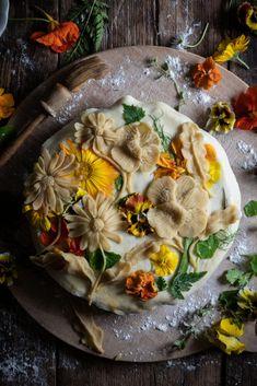Garden pie - leek and potato - twigg studios Garden pie - leek and potato Bread Art, British Baking, Creamy Cheese, Cooking Recipes, Healthy Recipes, Bread Baking, Pain, Food Inspiration, Food Processor Recipes