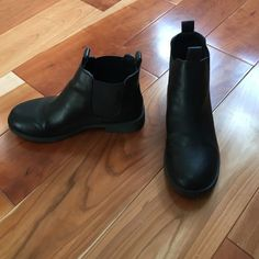H&M Black Chelsea Boots Black Chelsea boots gently worn. Price negotiable. H&M Shoes Ankle Boots & Booties