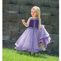 10 Classic Halloween Costumes for Kids. Halloween is all about dressing up. These 10 costumes have been seen for the last 10 years and will probably be seen for the 10 more. Classic Halloween Costumes, Halloween Costumes For Girls, Halloween Kids, Halloween Dress, Halloween Stuff, Happy Halloween, Dress Up Costumes, Cute Costumes, Girl Costumes