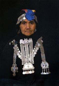Silver jewelry from the Mapuche people who live on the Andes Mountains, straddling Argentina and Chile, between the Aconcagua River and Chiloé Island.