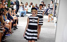 Mailänder Modewoche: Mode des italienischen Designers Antonio Marras. Mehr zur Modewoche: http://www.nachrichten.at/nachrichten/society/Mailaender-Modewoche-mit-70-Shows-in-sechs-Tagen;art411,1503169 (Bild: EPA)