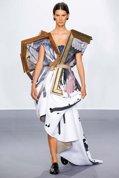 Viktor & Rolf, Wearable Art (Fall 2015 Couture)