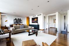 Um apartamento com cara de casa. Veja mais: http://casadevalentina.com.br/projetos/detalhes/um-ape-com-cara-de-casa-560 #decor #decoracao #interior #design #casa #home #house #idea #ideia #detalhes #details #style #estilo #casadevalentina #modern #moderno #livingroom #saladeestar