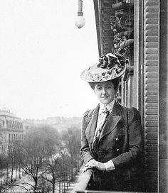 VINTAGE PHOTOGRAPHY: Agatha Christie, Paris 1906
