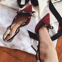 nice Shoespie Sexy Bow Pointed-toe Stiletto Heels