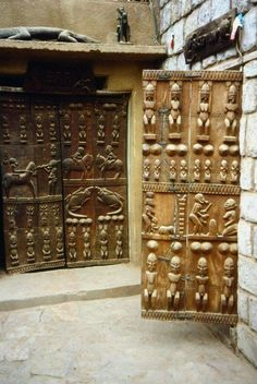 Great Artworks /Judit Szanyel Carved wooden, ''Dogon''Doors from Mali Africa. African House, Classic Doors, Cool Doors, Modern Door, Entrance Doors, Doorway, Steel Doors, Door Knockers, West Africa