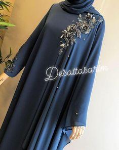 632 mentions J'aime, 29 commentaires - Yasemin Deşat ( sur Inst. Niqab Fashion, Muslim Fashion, Fashion Wear, Fashion Outfits, Muslim Dress, Hijab Dress, Pakistani Dress Design, Pakistani Dresses, Hijab Elegante