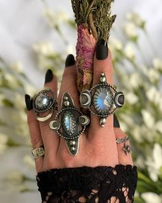 A stunning gathering of six or eight innate metal dream catcher rings. I adore t. Unique Diamond Engagement Rings, Deco Engagement Ring, Hippie Jewelry, Hippie Boho, Jewlery, Gothic Jewelry, Hippie Style, Boho Style, Boho Chic