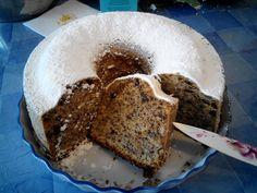 ΥΛΙΚΑ: 500 γρ αλεύρι για όλες τις χρήσεις 250 μλ σπορέλαιο 250 μλ γάλα 4 - 5 αυγά ανάλογα με το μέγεθος 440 γρ ζάχαρη 1 βανίλ... Oreo, Banana Bread, Greek Beauty, Desserts, Recipes, Cakes, Food, Tailgate Desserts, Deserts