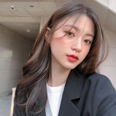 ulzzang girl girls woman women aesthetic korean japanese chinese beauty pretty beautiful lifestyle ethereal beauty girls east asian minimalistic grunge soft pastel light cute adorable 울짱 여자 r o s i e Korean Girl Cute, Korean Girl Ulzzang, Ulzzang Hair, Ulzzang Makeup, Asian Girl, Korean Makeup Look, Asian Makeup, Korean Beauty, Asian Beauty