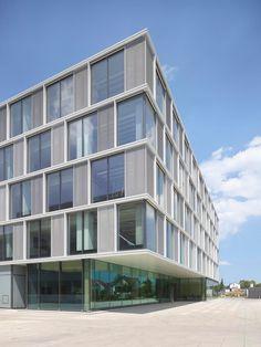 Mit Lounge-Feeling und Kräutergarten - Unternehmenszentrale von Riehle+Assoziierte in Stuttgart
