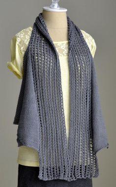 We've got of free knitting patterns to inspire you: from blanket knitting patterns to cardigans, hats, scarves and adorable free baby knitting patterns! Free Baby Patterns, Knitting Patterns Free, Knit Patterns, Free Knitting, Loom Knitting, Knitting Stitches, Lion Brand Wool Ease, Crochet Coat, Tops