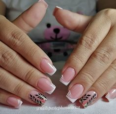 French Manicure Nail Designs, Pretty Nail Designs, French Nails, Gold Nail Art, Cute Acrylic Nails, Pretty Toe Nails, Love Nails, Elegant Nails, Stylish Nails