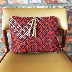 A little something special from Pakistan🎉Hand loomed Kilim cushion cover ❤️ Love the tassel detail 😍 Applique Cushions, Patchwork Cushion, Kilim Cushions, Throw Pillows, Egyptian Cotton, Home Decor Items, Canvas Size, Cotton Canvas, Pakistan