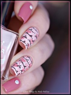 Little things that make me happy: Valentine's Day Manicure with MoYou Stamping Plate Princess 11