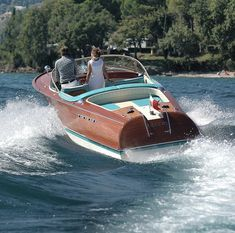 Riva🇮🇹 By:   Wooden Speed Boats, Wood Boats, Yacht Design, Boat Design, Riva Yachts, Ski Nautique, Riva Boat, Chris Craft Boats, Classic Wooden Boats