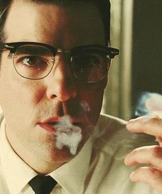 Oliver Thredson AHS where nightmares are made The Americans Fx, Ahs Asylum, American Horror Story 3, American Actors, Hero Tv, Nos4a2, Zachary Quinto, Zachary Levi, Actors Male