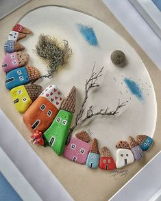 ROCKS: painted rocks as houses Pebble Painting, Pebble Art, Stone Painting, Hobbies And Crafts, Diy And Crafts, Crafts For Kids, Arts And Crafts, Stone Crafts, Rock Crafts