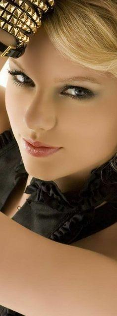 Taylor Alison Swift...beautiful