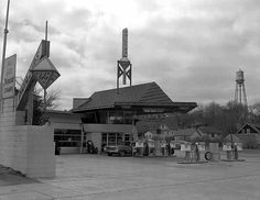 R.W. Lindholm Service Station, 1960 circa @ John McNab