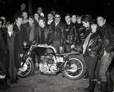 The Rockers. (109 foto's).Rockers and their chicks..