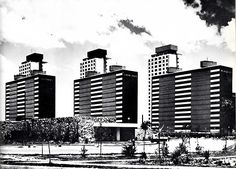 Ciudad Habitacional Nonoalco-Tlatelolco, México, DF 1964-1966 Arq. Mario Pani en colaboración con Luis Ramos    Foto: Armando Salas Portugal -    City Housing Nonoalco-Tlatelolco, Mexico City 1964-1966 Architect Mario Pani in collaboration with Luis Ramos
