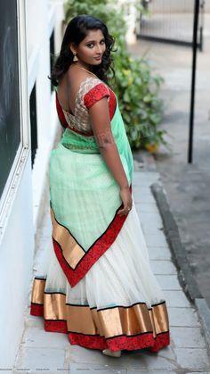 Beautiful Muslim Women, Beautiful Girl Indian, Beautiful Saree, Beautiful Indian Actress, Indian Natural Beauty, Indian Beauty Saree, Arabian Beauty Women, Indian Girls Images, Blouse Models