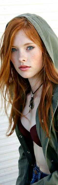 ideas makeup red hair blue eyes freckles for 2019 Red Hair Blue Eyes, Dark Red Hair, Red Hair Woman, Woman Face, Beautiful Red Hair, Beautiful Eyes, Redheads Freckles, Ginger Girls, Gorgeous Redhead