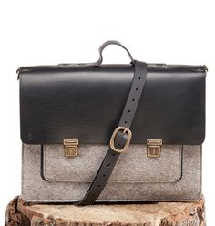 Réginald - Bag - Felt and Leather - CANTIN - Permanent collection #fashion #montreal #handmade  #bags