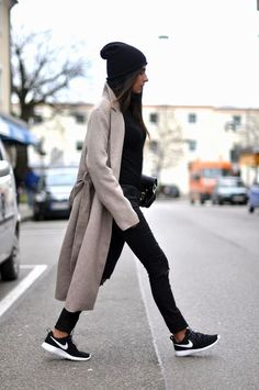 Ideas Sport Fashion Outfit Sporty Chic Casual For 2019 Looks Street Style, Looks Style, My Style, Girl Style, Nike Street Style, Daily Style, Style Men, Style Blog, Winter Outfits Women