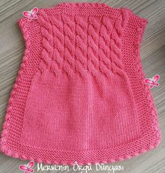 This Pin was discovered by Sen - Harika El işleri-Hobiler Crochet Baby Dress Pattern, Baby Girl Crochet, Baby Knitting Patterns, Knit Baby Sweaters, Knitted Baby Clothes, Tricot Baby, Baby Cardigan, Babe, Couture