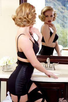 Modern Day Pin Up:: Burlesque Pin Up:: Pin Up Girls:: Vintage Hair