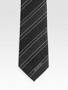 textured Gucci tie
