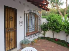 1 Bedroom Garden Cottage in Bryanston, Very secure bachelor pad in a boomed/gated community. Cottage comes fully furnished and equipped wi Garden Cottage, Garden Beds, Private Property, Gated Community, Studios, Bedroom, Outdoor Decor, Home Decor, Decoration Home