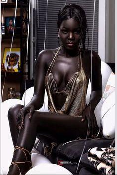 Black is beautiful. Dark Beauty, Ebony Beauty, Natural Beauty, Beautiful Dark Skinned Women, My Black Is Beautiful, Beautiful Women, Beautiful Dresses, Ebony Girls, Ebony Women