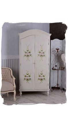 home decor on pinterest dinnerware baroque and shabby chic. Black Bedroom Furniture Sets. Home Design Ideas