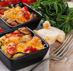 Kasserole mit Käse, Zucchini, Champignons und Kirschtomaten Tags: