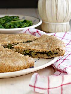 Focaccia ripiena con cime di rapa ricetta 1 Salmon Burgers, Biscotti, I Foods, Pesto, Sandwiches, Vegan, Cooking, Ethnic Recipes, Ramadan