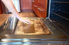 Pour tous ceux qui détestent nettoyer leur four, voici LA technique à connaîtrenoté 3 - 797 votes Faire la cuisine est déjà une lourde tâche, mais nettoyer son four ne s'est jamais révélé être une tâche facile non plus. Cette technique va révolutionner votre manière de le décrasser en profondeur. Simple, rapide et efficace, votre …