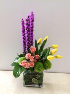 Résultat d'images pour art deco floral arrangements Arrangements Ikebana, Spring Flower Arrangements, Floral Centerpieces, Valentine Flower Arrangements, Contemporary Flower Arrangements, Flower Arrangement Designs, Flower Designs, Silk Flowers, Spring Flowers