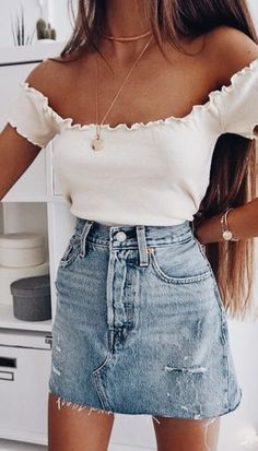 scallop off shoulder top + layered necklaces + levis denim skirt | #ootd teen outfit ideas