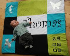 Thomas op zijn eigen geboortekleed