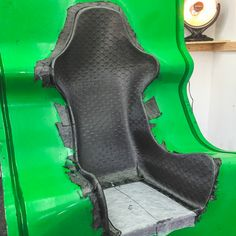 The Unique Status Racing Carbon Fiber Wasp Design Racing Car Design, Bike Design, Racing Seats, Car Seats, Custom Car Interior, Reverse Trike, Tuner Cars, Audi Cars, Car Detailing