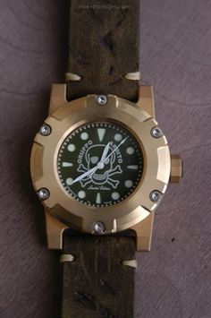 Big Watches, Cool Watches, Watches For Men, Watch Holder, Bronze, Black Opal, Wood Watch, Perfect Timing, Mens Fashion